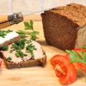 Low Carb Brot Rezept | Mandel-Kürbiskern-Brot