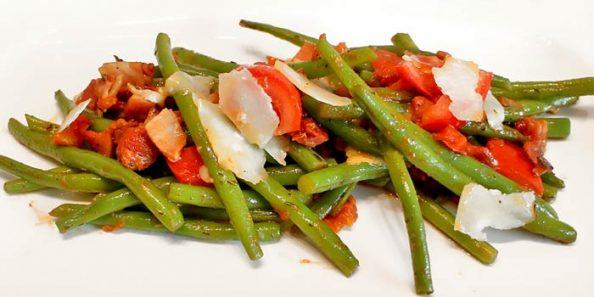 Low Carb Beilagen - Speckbohnen mit Parmesan