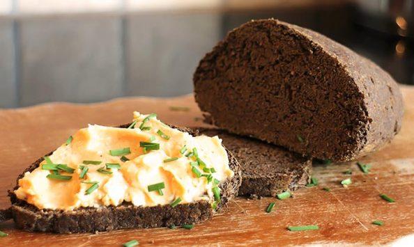 Low Carb Rezept | Brot mit Hanf- und Walnussmehl