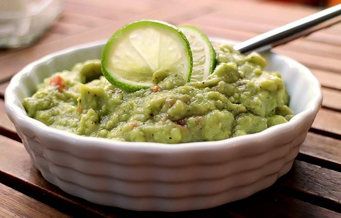 low carb rezept avocado dip mit limette. Black Bedroom Furniture Sets. Home Design Ideas