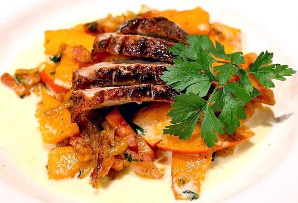 Low Carb Rezept | Entenbrustfilet auf Low Carb Kürbisgemüse