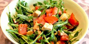 Low Carb Rezept | Schneller Rucola-Salat