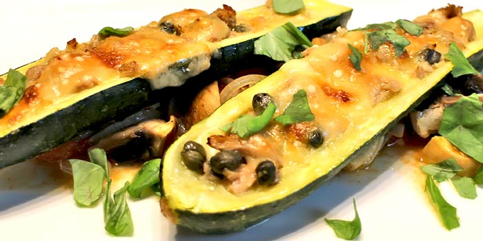 low carb rezept zucchini mit thunfisch und kapern. Black Bedroom Furniture Sets. Home Design Ideas