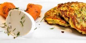 Low Carb Rezept | Zucchinipuffer mit Räucherlachs