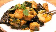Asiatisches Low Carb Geschnetzeltes mit Erdnusssauce