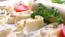 Pikante Käseröllchen mit Frischkäse