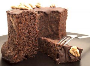 Low Carb Schoko-Walnuss-Kuchen mit Walnussmehl
