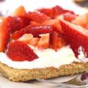 Low Carb Erdbeer-Sahne-Blechkuchen